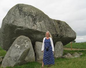 Oppballad sten Irland og Solveig Løvhaug